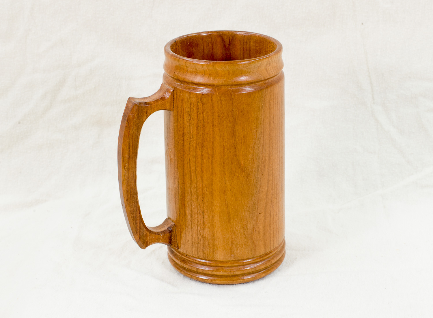 Cherry Mug, 3.5 inches x 7.5 inches